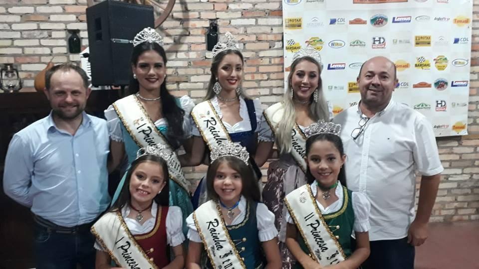 👑👑 Realezas da Fenarreco de Brusque participaram da XXVI Fenajeep