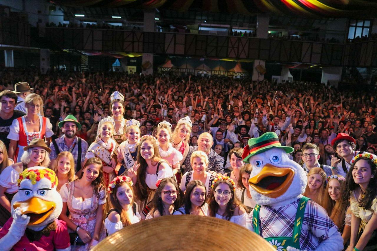 Penúltimo dia de Fenarreco leva mais de 15 mil pessoas ao Pavilhão